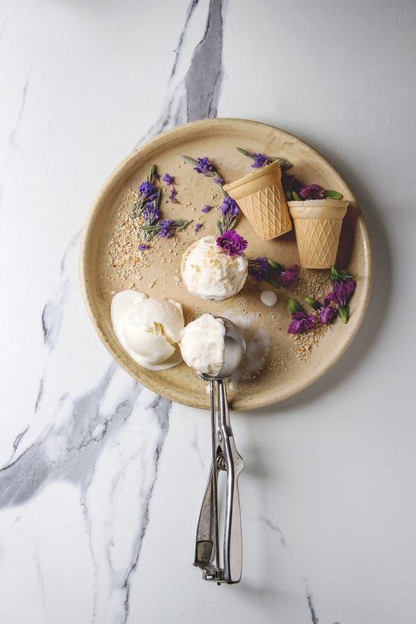Gelato alla vaniglia fotografia stock