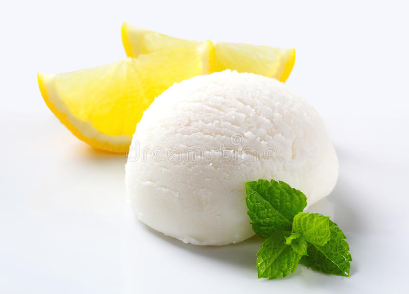 Gelato del limone fotografie stock libere da diritti