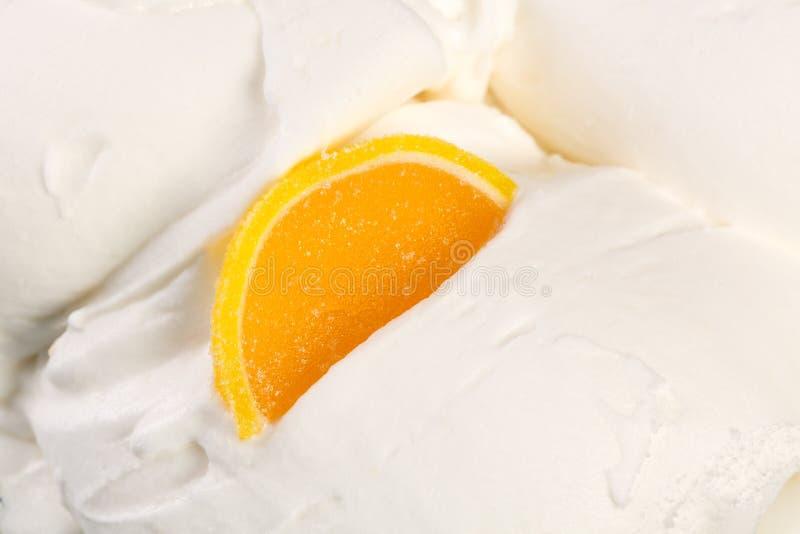 Gelato del yogurt con marmellata d'arance Foto di alta risoluzione fotografia stock libera da diritti
