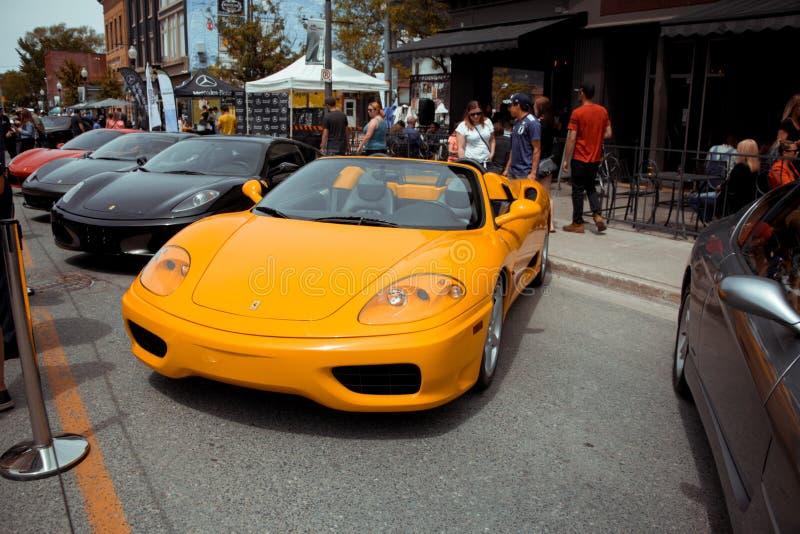 Gelb offen Ferrari während der Autoshow im Peterborough stockfoto