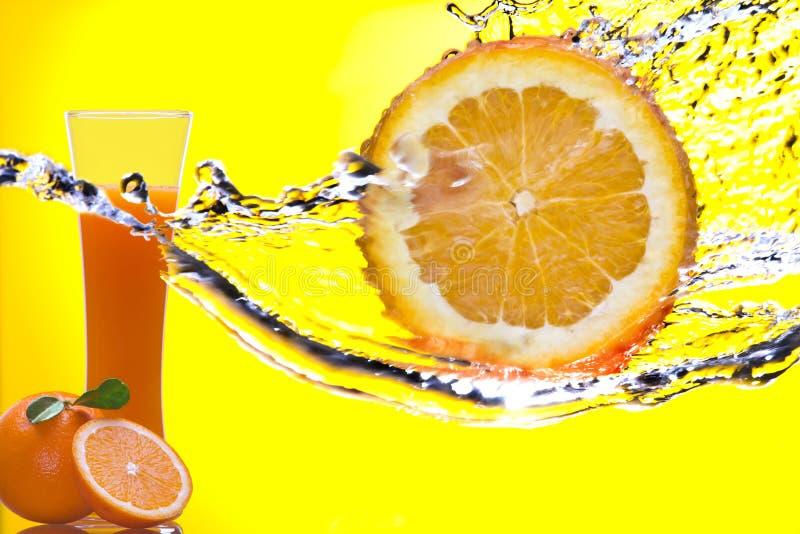 Gelb und Welle stockfotografie