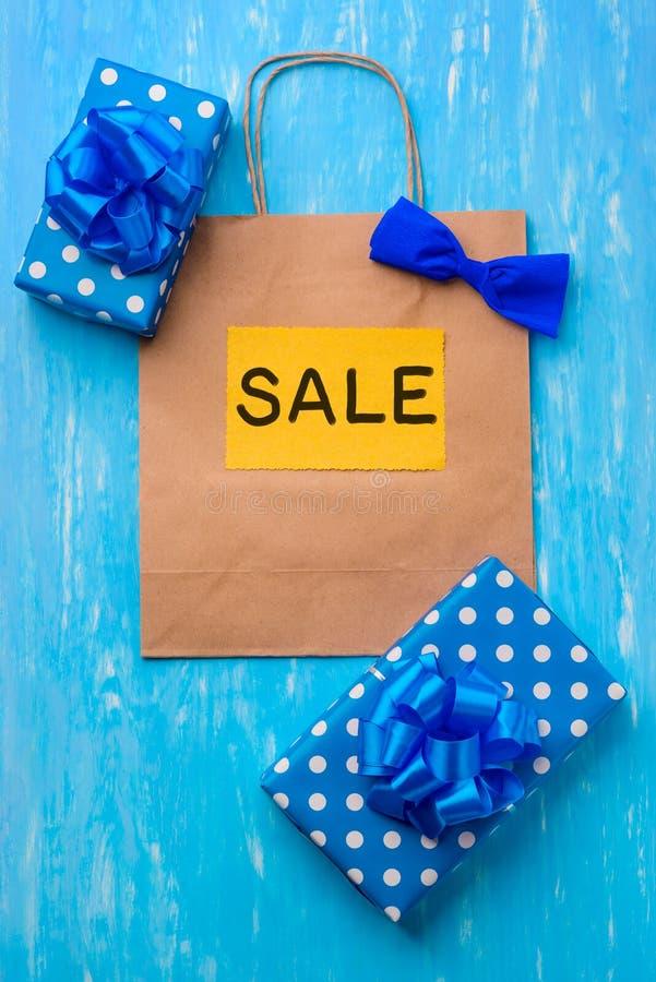 Gelbe, blaue und weiße Zusammensetzung lizenzfreies stockfoto