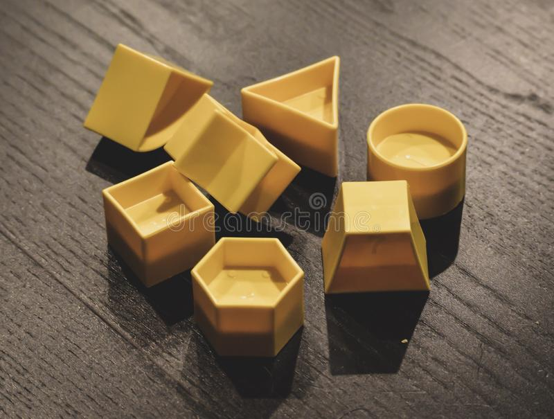 Gelbe Formen stockfotografie