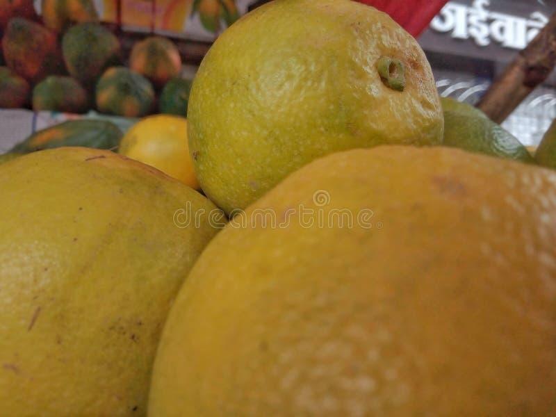 gelbe gesunde perfekte Frucht geschmackvoll stockbild