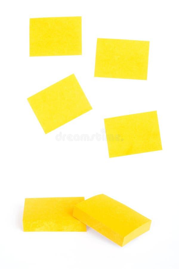 Gelbe klebrige Anmerkungen stockfotos