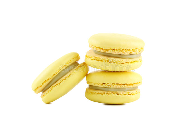 Gelbe macarons stockbild