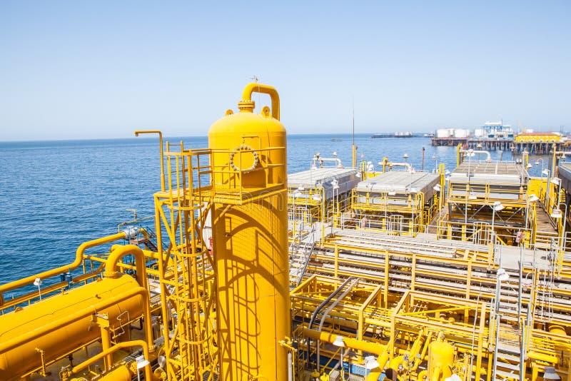 Gelbe Rohre Und Verbindungen Stockbild Bild Von Schmieröl
