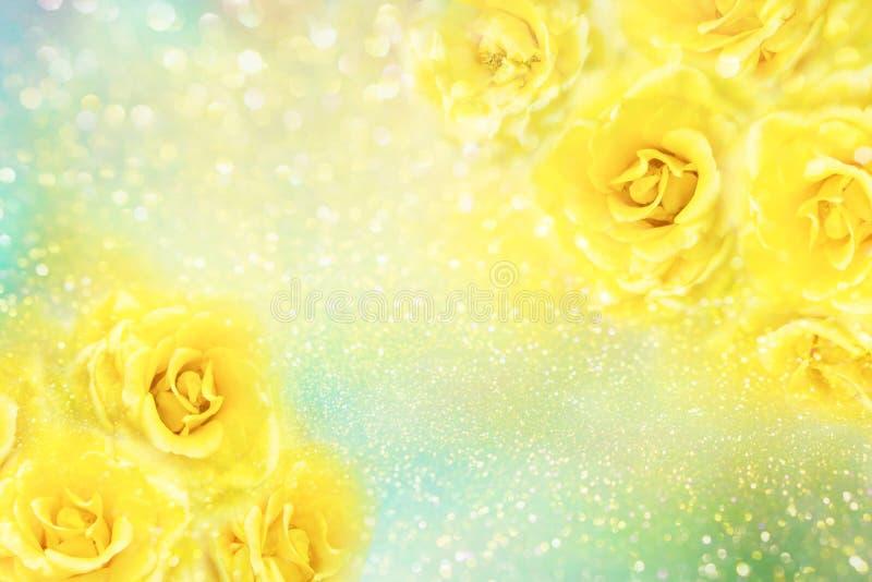 Gelbe Rosen blühen weichen Romanze Hintergrund mit schönem Funkeln lizenzfreie stockbilder