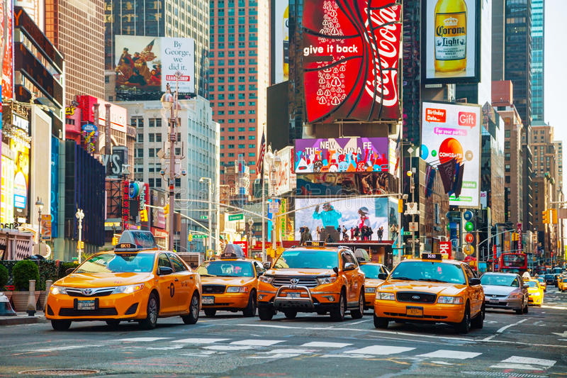 Gelbe Taxis quadrieren manchmal in New York City stockbild