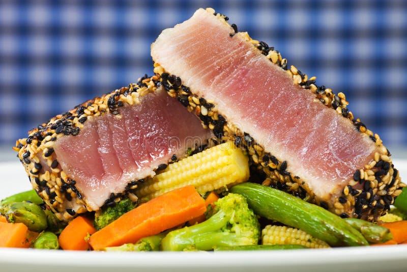Gelbe Thunfischmahlzeitfische lizenzfreies stockbild