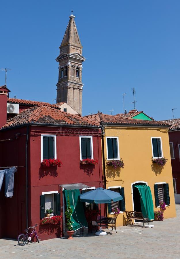 Rote Häuser Bilder gelbe und rote häuser in burano italien stockfoto bild 32525182