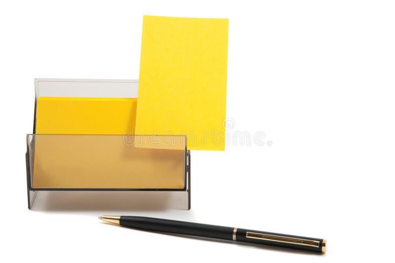 Gelbe Visitenkarte in einem Kasten lizenzfreies stockbild