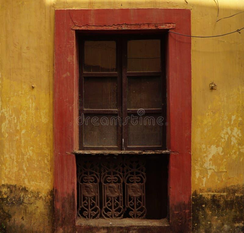 Gelbe Wand 3 lizenzfreies stockfoto