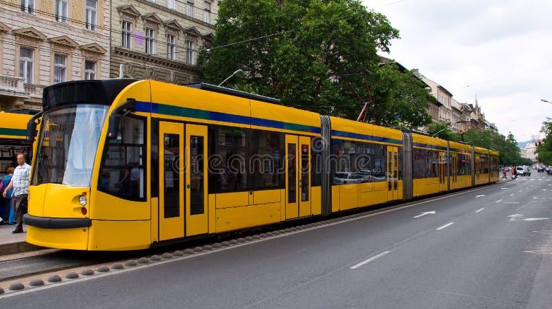 Gelber Förderwagen lizenzfreie stockfotos