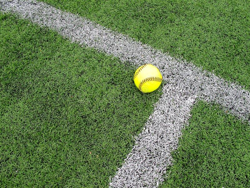 Gelber Softball stockbilder