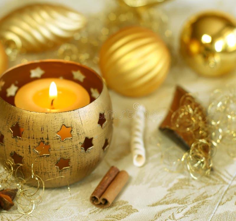 Gelber Weihnachtshintergrund. lizenzfreie stockbilder