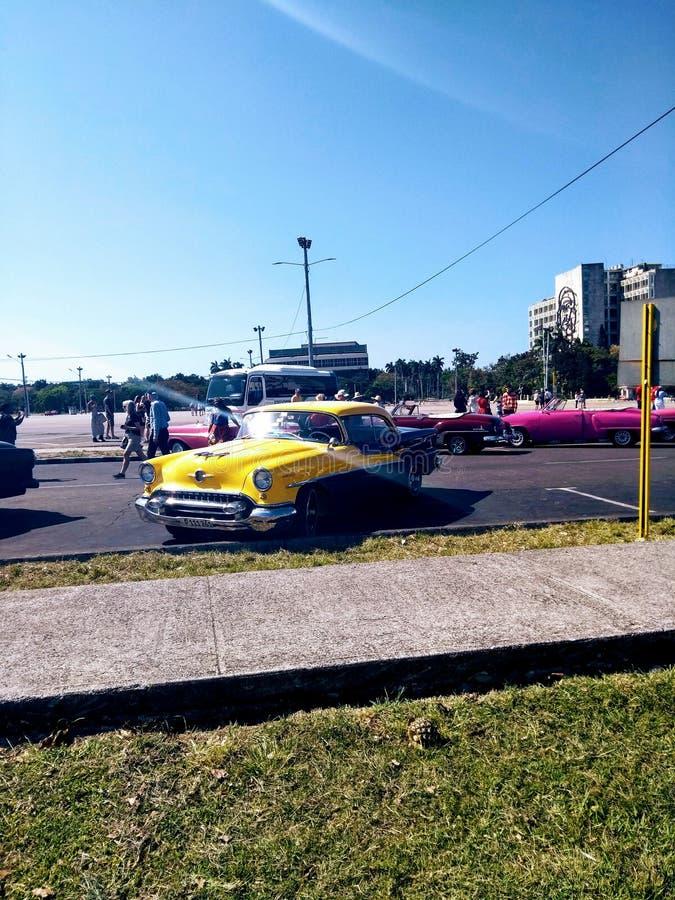 Gelbes Auto, Havana, Kuba lizenzfreies stockbild