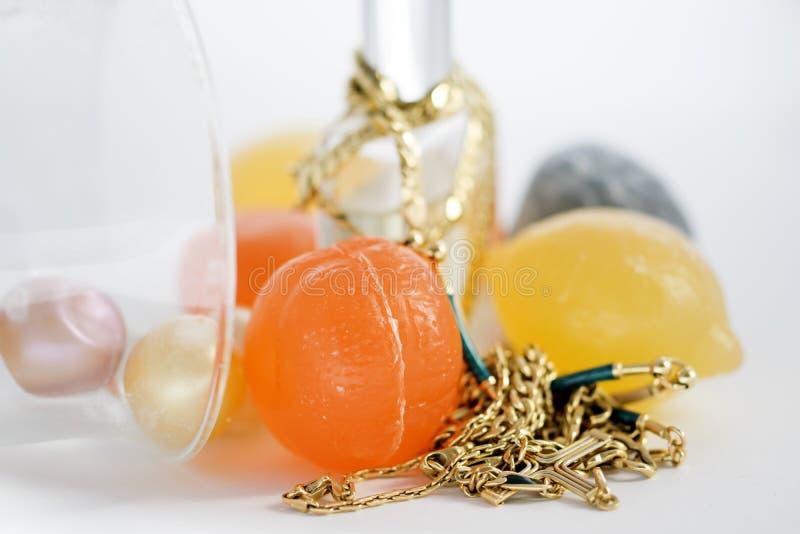 gelbes Goldfamilienjuwelen stockfotos