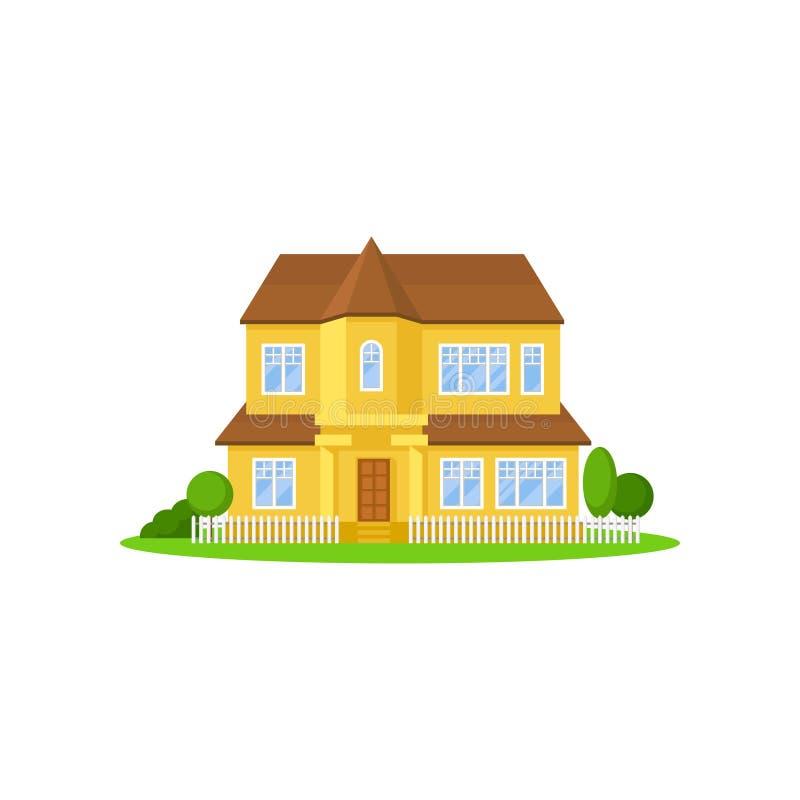gelbes Haus des Zwei-Geschosses mit hölzernem Dach Wenig Zaun, grüne Wiese, Bäume und Büsche auf Vorgarten Haus für großes stock abbildung