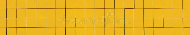 Gelbes metallisches Fassade-Panel-Hintergrund-Panorama lizenzfreie abbildung