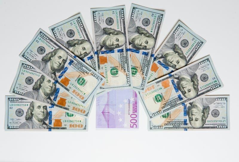 Geld Geld aus verschiedenen Ländern Reisekostenkonzept uncropped auf weißem Hintergrund stockfotografie