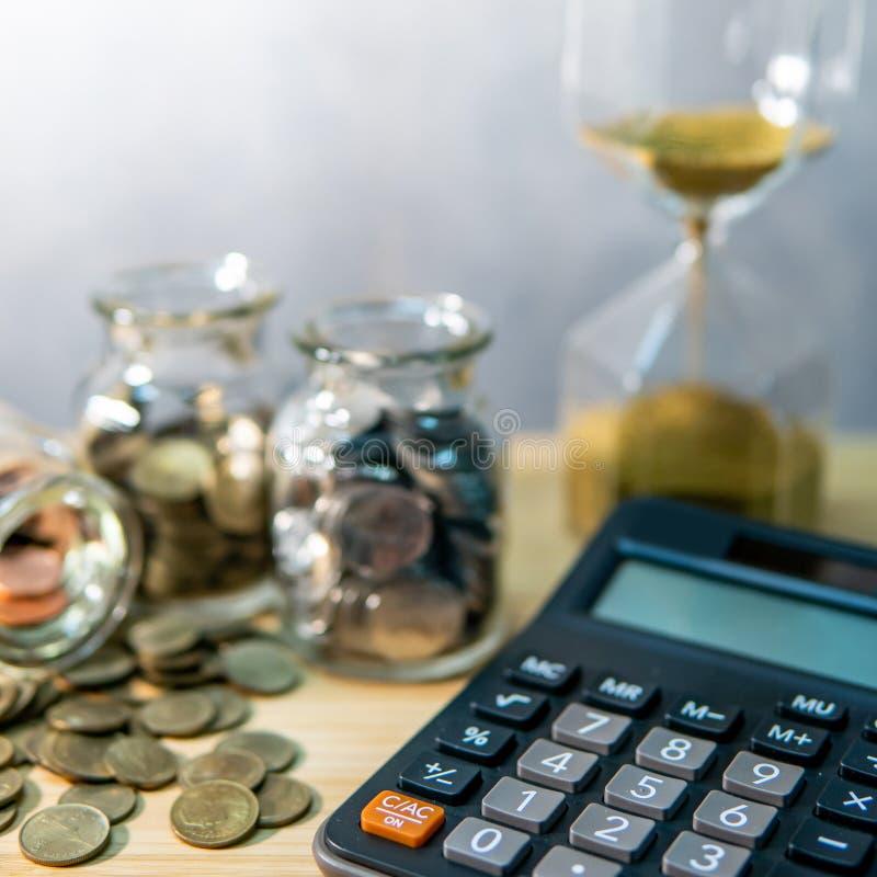 Geld besparen Berekening van de financiële boekhouding royalty-vrije stock fotografie