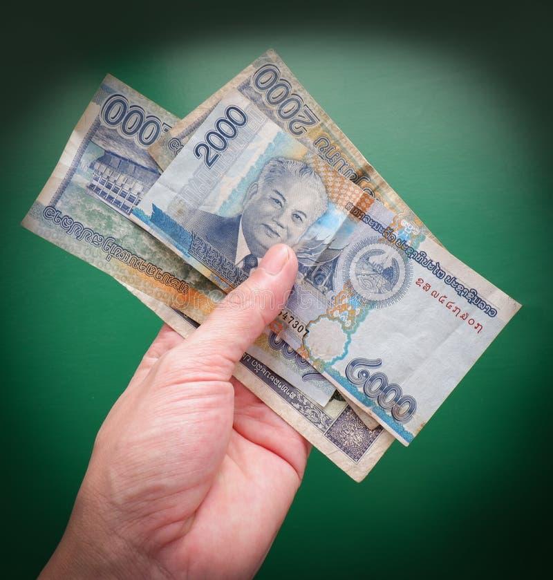 Geld in der Hand stockbild