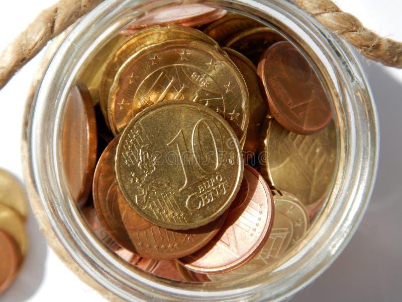 Geld, diverse Euro muntstukken, besparingen stock foto's