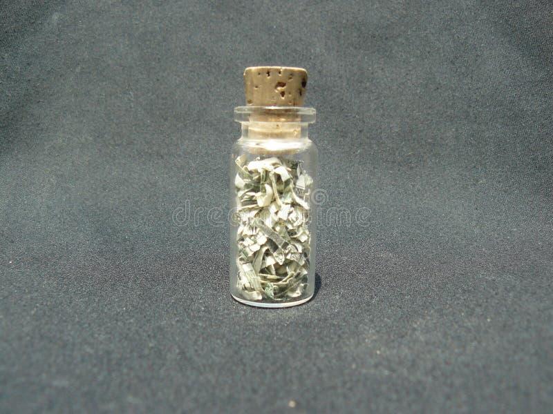 Geld in einem Glas mit einem Korken lizenzfreies stockbild