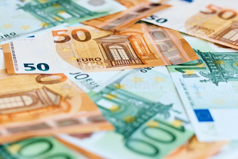 Geld Honderd vijftig euro bankbiljetten royalty-vrije stock afbeeldingen