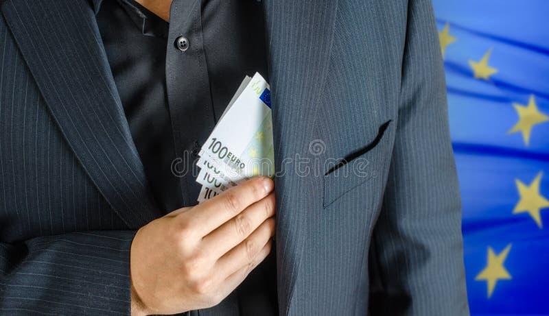 Geld in pakket stock afbeeldingen