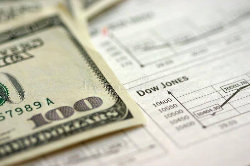 Geld und Ablage lizenzfreie stockfotos