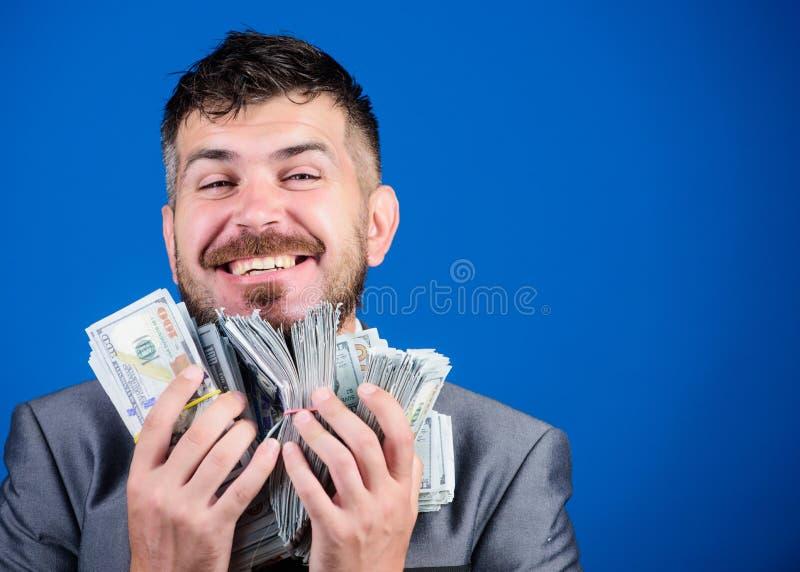 Geld und Energie Gewinnen einer Lotterie Geschäftsmann nach großem Abkommen Finanzierung und Handel Geschäfts- und Sporterfolg stockbilder