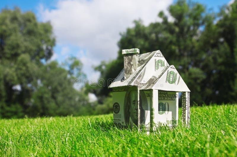 Geld voor nieuwe huisvesting royalty-vrije stock foto