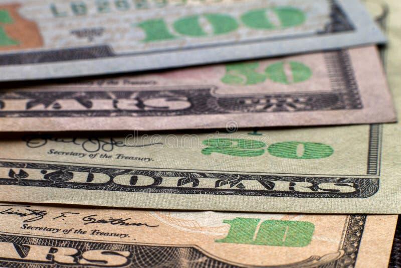 Geld-, Wohlstands- und Finanzkonzept Abstrakter heller Hintergrund von amerikanischen Landeswährungsbanknoten USA, Details von or stockfotos