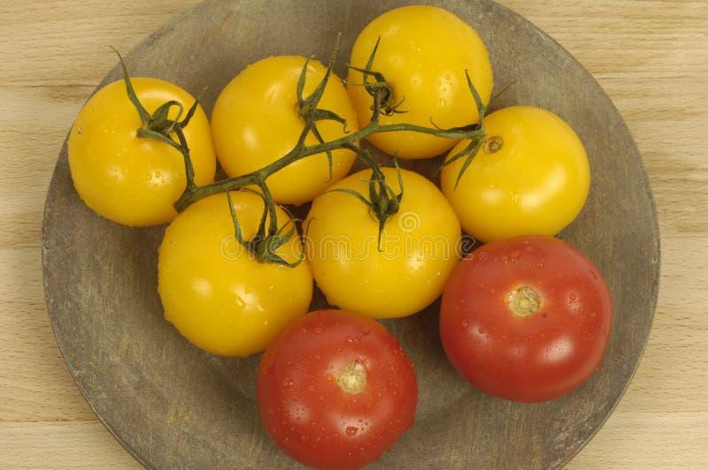 Gele en rode Tomaten royalty-vrije stock afbeeldingen