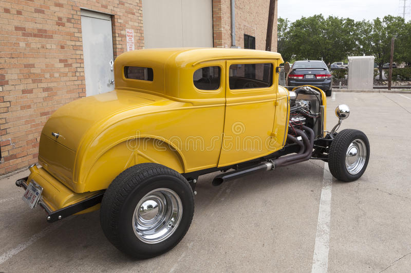 Gele 1932 Ford Coup Hotrod royalty-vrije stock afbeelding
