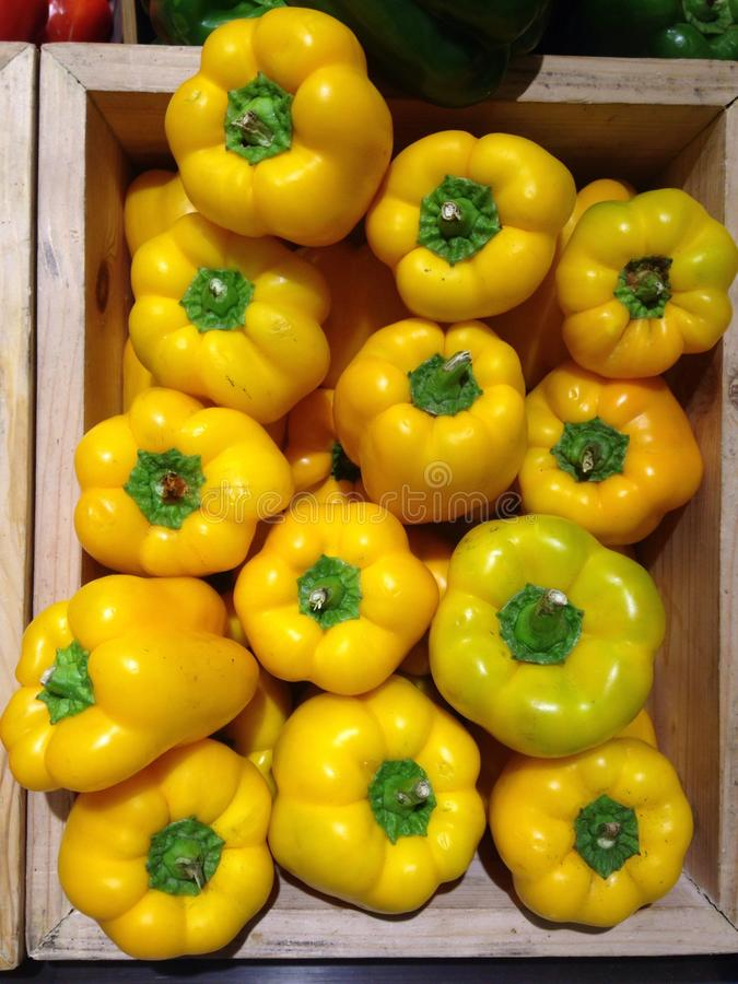 Gele Groene paprika royalty-vrije stock afbeeldingen