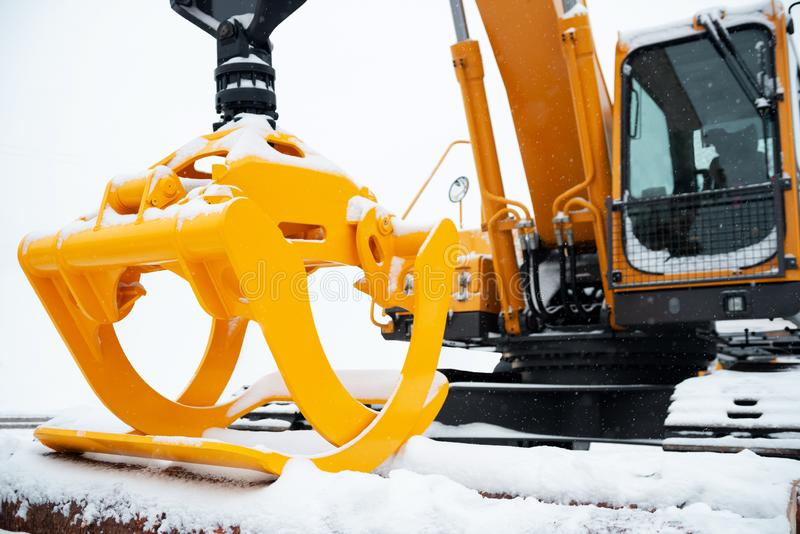 Gele hydraulische manipulator stock foto's