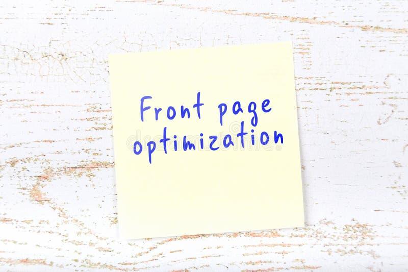Gele kleverige nota met de met de hand geschreven optimalisering van de tekst voorpagina stock illustratie