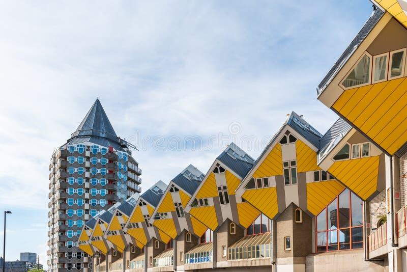 Gele kubushuizen in Rotterdam, Nederland royalty-vrije stock afbeeldingen