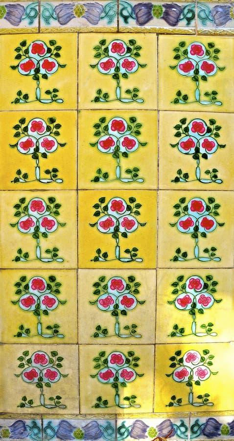 Gele Peranakan-tegels royalty-vrije stock afbeelding