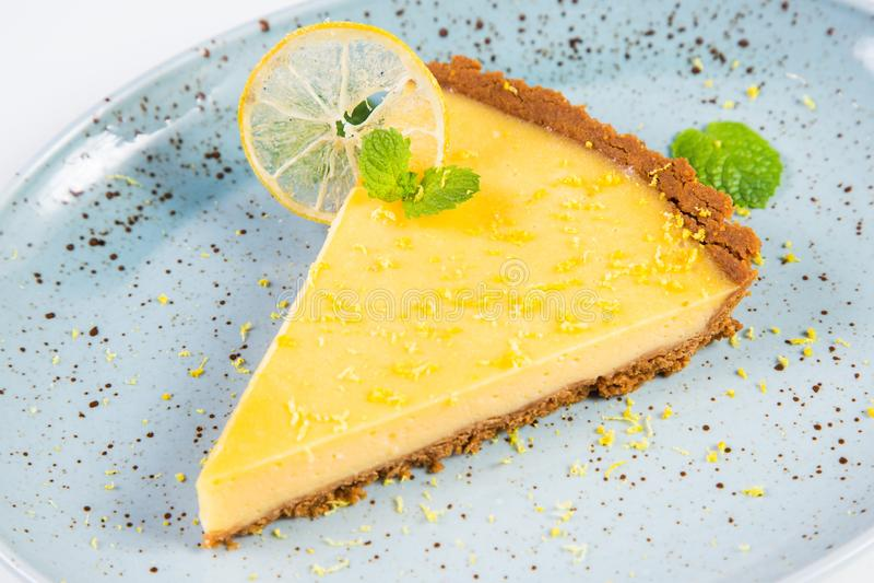 Gele scherpe citroen stock afbeelding