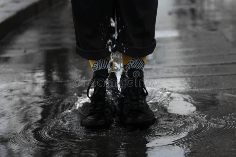 Gele sokken stock afbeeldingen