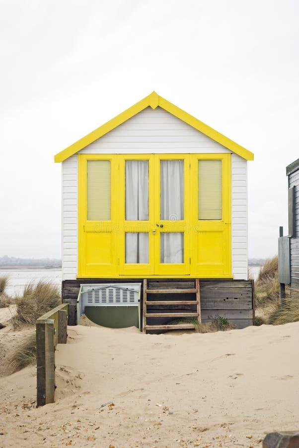 Gele strandhut stock fotografie