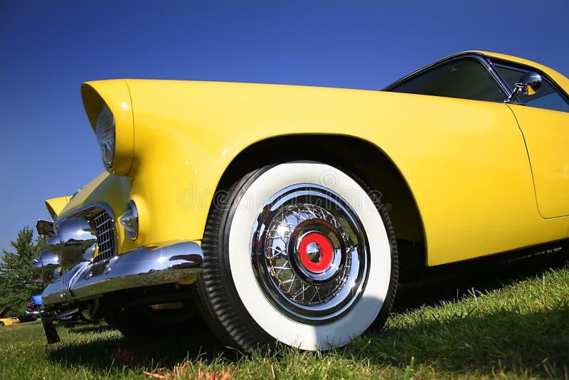 Gele Uitstekende Auto stock foto