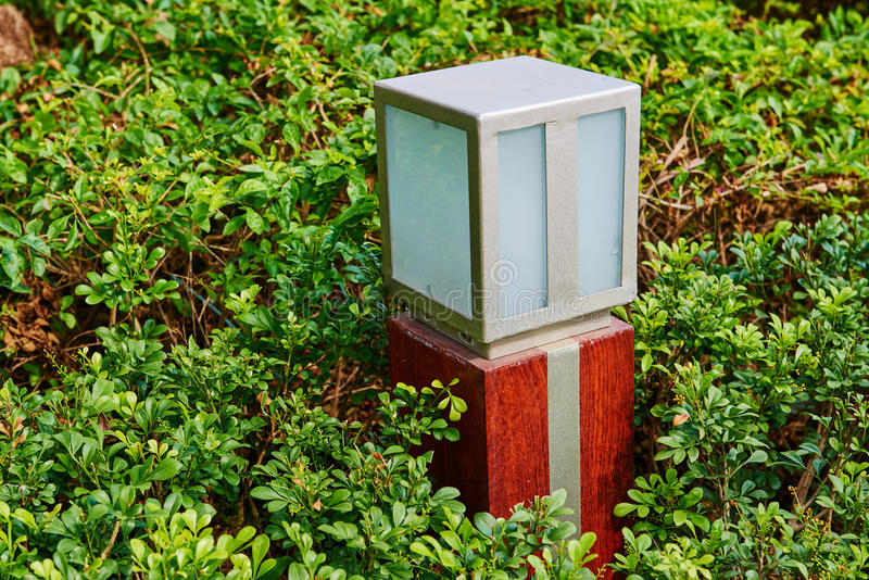 Geleide gazonlamp stock afbeelding