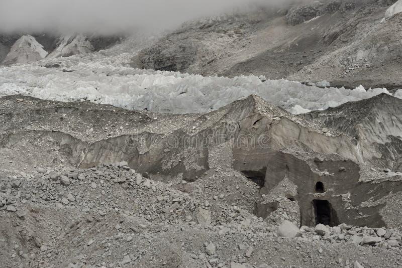 Geleira de Khumbu perto do Khumbu famoso e perigoso IceFall, Himalaya nepal fotografia de stock