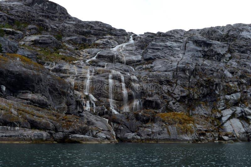 Geleira de Nena das cachoeiras no arquipélago de Tierra del Fuego foto de stock royalty free