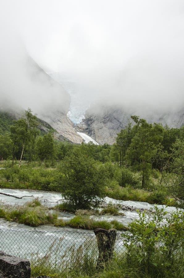 Download Geleira De Noruega - De Briksdal - Parque Nacional De Jostedalsbreen Imagem de Stock - Imagem de lago, rachaduras: 29833233